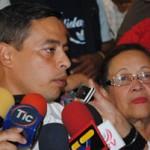 El Gobernador Rafael Isea y María León